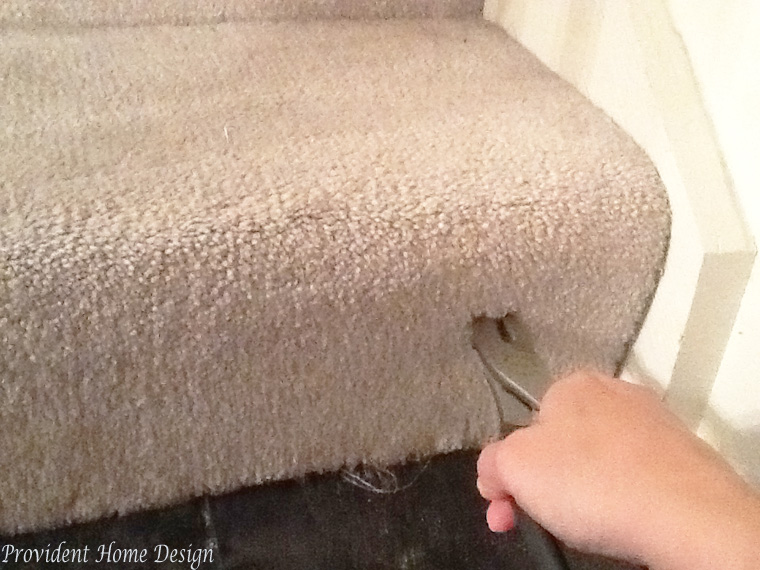 how to pull up carpet