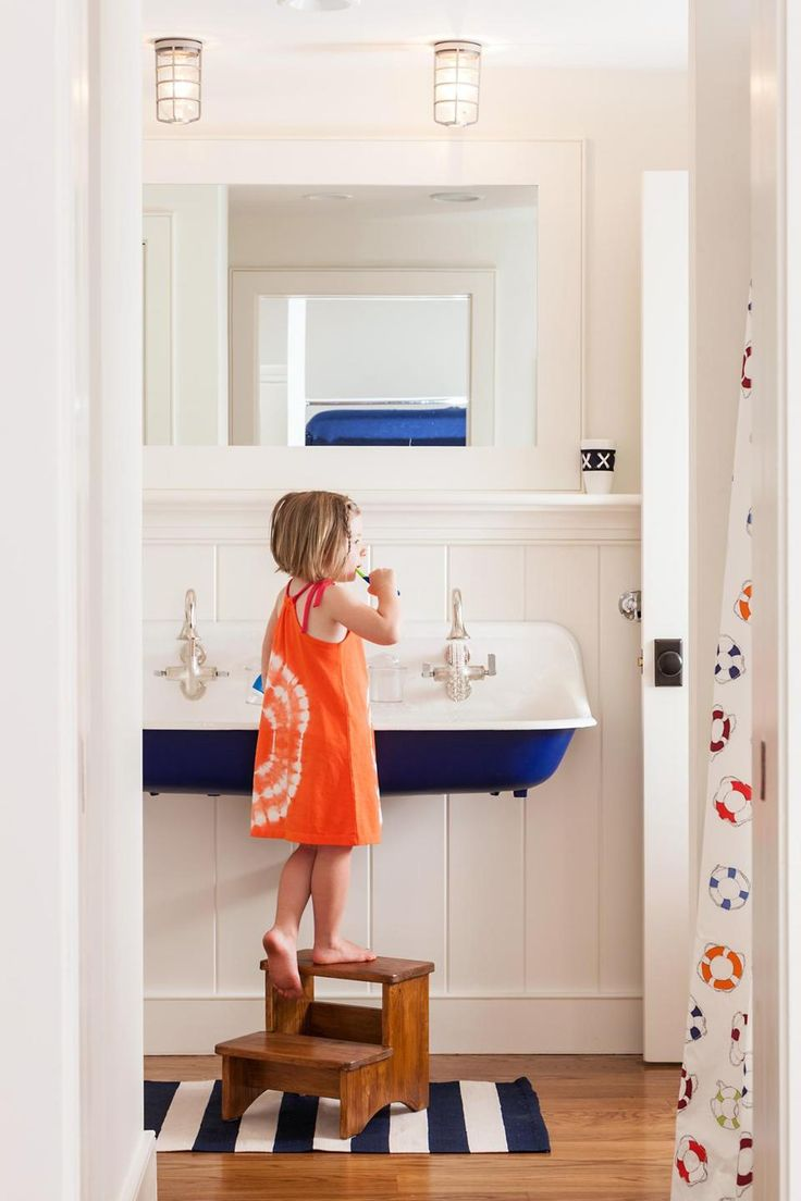 royal blue kids bathroom