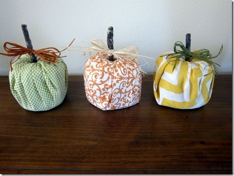 toilet-paper-roll-pumpkin-craft_thumb