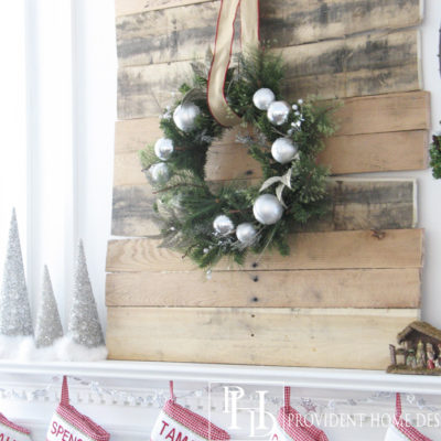 My Rustic Christmas Mantel & A DIY Pallet Project