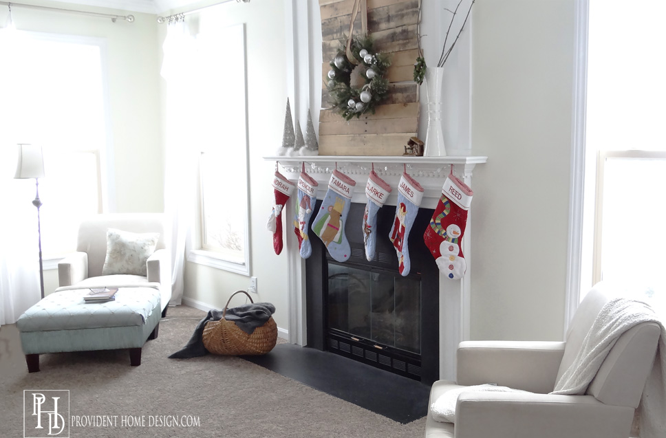 Christmas Rustic Mantle DIY