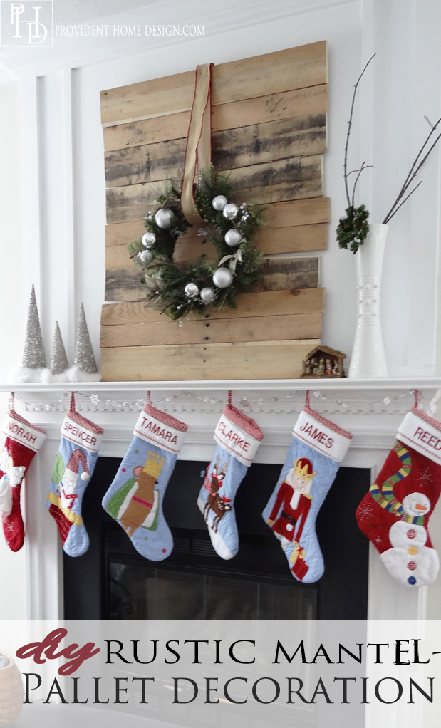 DIY Christmas Pallet Decor