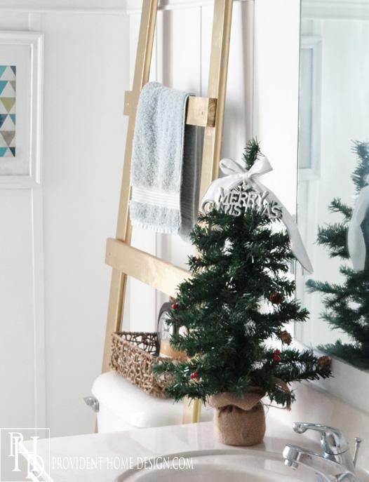 Christmas tree in Kids bathroom