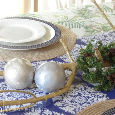 A Coastal Christmas Tablescape