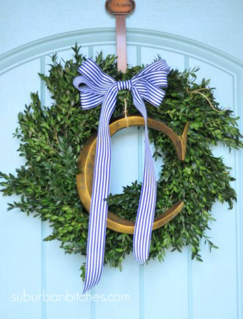 Suburban B christmas-tour-2015-wreath