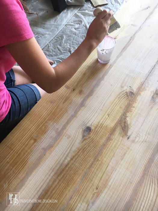 DIY Farmhouse Table White Washing