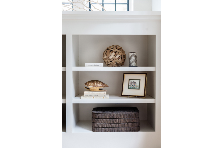 bookshelf-styling-tips-amandateal-design-kiawahisland-141