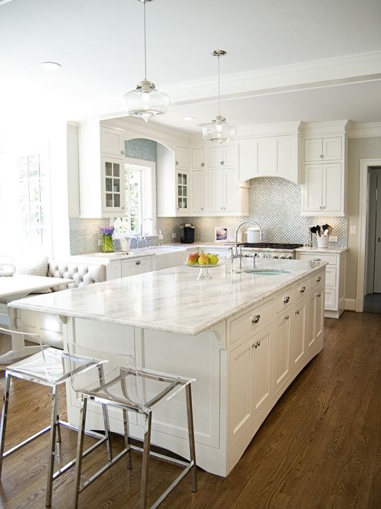 kitchen-with-hood