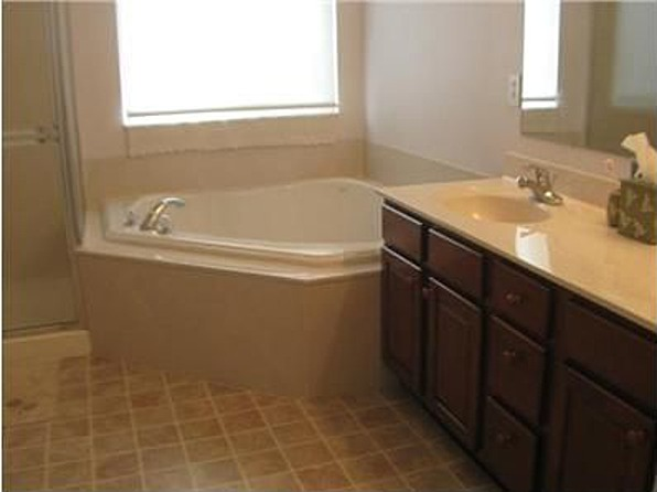 Master-Bath Before